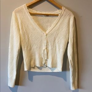 Little Mountain Vancouver cropped cream cardigan